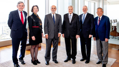 PIMCO Global Advisory Board members standing together